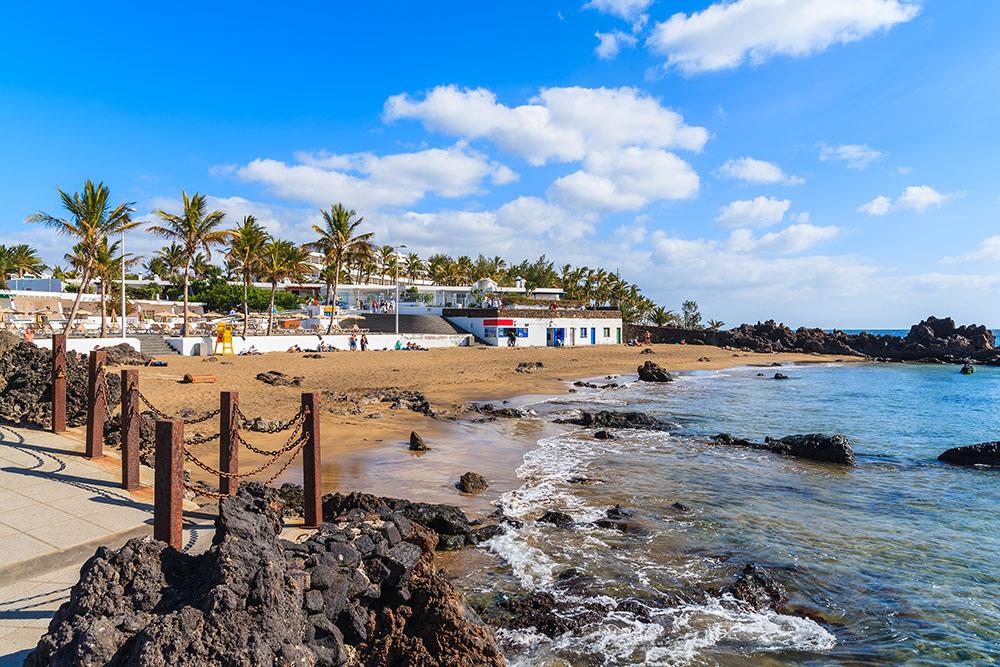 Playa Chica En Puerto Del Carmen Lanzarote